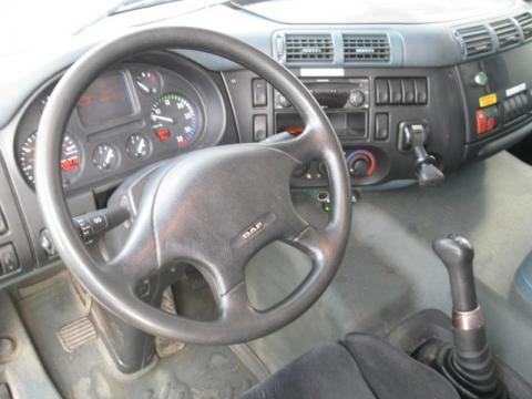 Грузовики DAF CF65 кабина внутри.